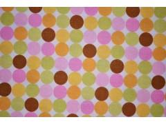 Tela de topos de colores rosas, naranjas, marrones y verdes